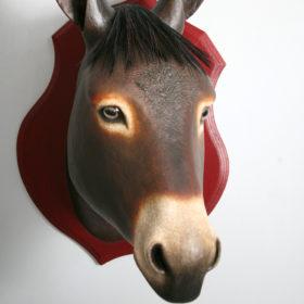 Âne à frange- Sculpture en papier de Mélanie Bourlon