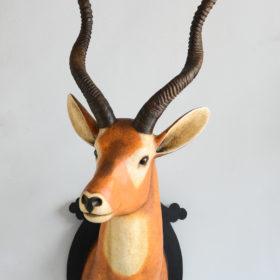 Antilope- Sculpture en papier de Mélanie Bourlon - 38 Le Avenières - Isère - Rhône-Alpes - France - Photo : Anthony Cottarel