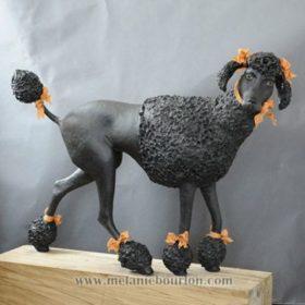 Caniche royale noire- Sculpture en papier de Mélanie Bourlon - 38 Le Avenières - Isère - Rhône-Alpes - France - Photo : Anthony Cottarel