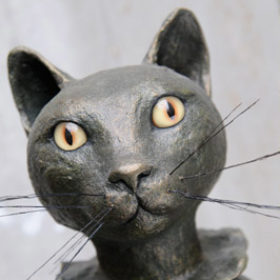 Chat bronze- Sculpture en papier de Mélanie Bourlon - 38 Le Avenières - Isère - Rhône-Alpes - France - Photo : Anthony Cottarel