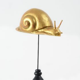 Escargot or- Sculpture en papier de Mélanie Bourlon - 38 Le Avenières - Isère - Rhône-Alpes - France - Photo : Anthony Cottarel