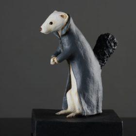 Hermine manteau- Sculpture en papier de Mélanie Bourlon - 38 Le Avenières - Isère - Rhône-Alpes - France - Photo : Anthony Cottarel