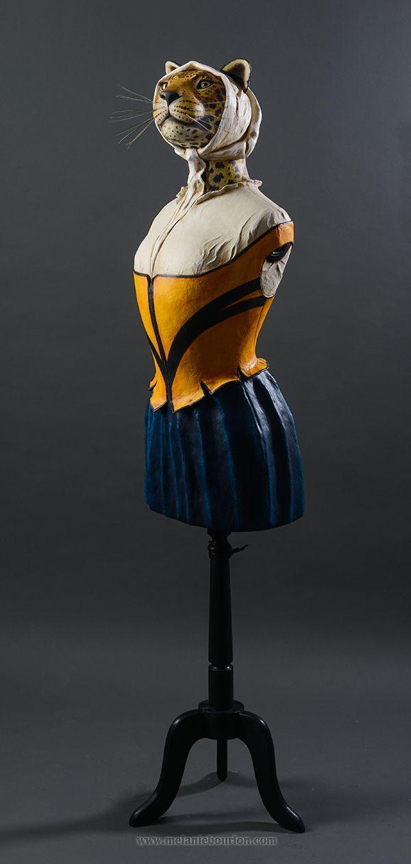 Dame Jaguar d'après Vermeer - Sculpture en papier de Mélanie Bourlon - 38 Le Avenières - Isère - Rhône-Alpes - France - Photo : Anthony Cottarel