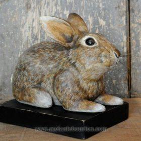 Gros lapin- Sculpture en papier de Mélanie Bourlon - 38 Le Avenières - Isère - Rhône-Alpes - France - Photo : Anthony Cottarel