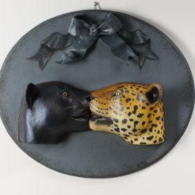 Le baiser Jaguar / Panthère - Sculpture en papier de Mélanie Bourlon - 38 Le Avenières - Isère - Rhône-Alpes - France - Photo : Anthony Cottarel