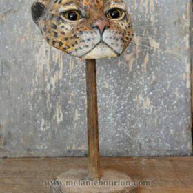 Masque félin - Sculpture en papier de Mélanie Bourlon - 38 Le Avenières - Isère - Rhône-Alpes - France - Photo : Anthony Cottarel