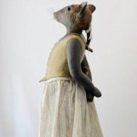 Souris opéra - Sculpture en papier de Mélanie Bourlon - 38 Le Avenières - Isère - Rhône-Alpes - France - Photo : Anthony Cottarel