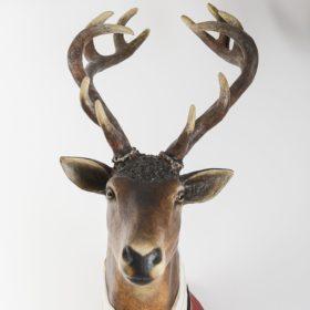 Trophée de cerf- Sculpture en papier de Mélanie Bourlon - 38 Le Avenières - Isère - Rhône-Alpes - France - Photo : Anthony Cottarel