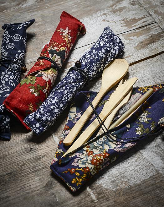 Coffret déjeuner - Mélanie Bourlon Sculptures en papier mâché - La pochette couverts en bambou réutilisables