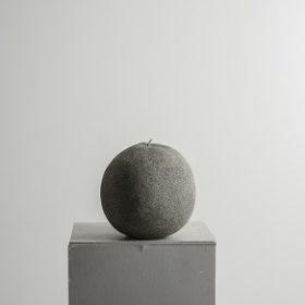 Orange - sculpture - papier mâché - Melanie Bourlon